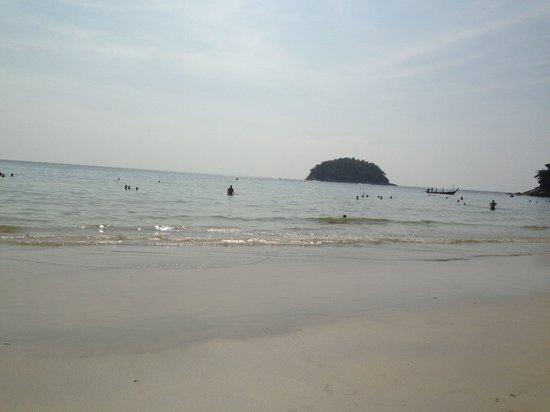 Best Western Phuket Ocean Resort : Пляж Карон