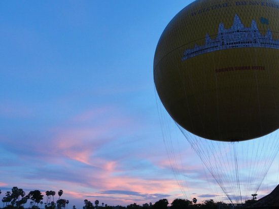 Sojourn Boutique Villas: Sunrise Balloon ride