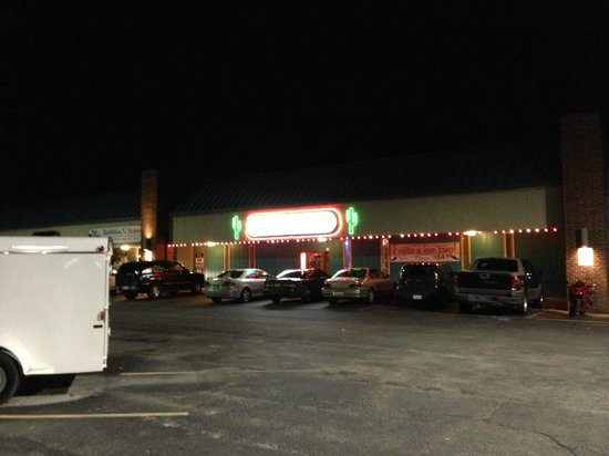 Jalapeno's Mexican Grill : Front