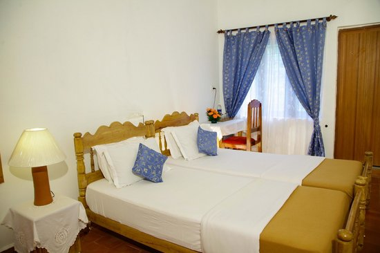 Koshys Homestay: Bed Room #2, with twin beds