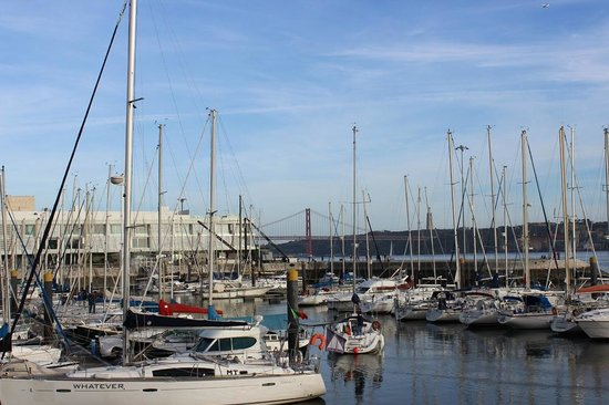 Altis Belém Hotel & Spa: La marina devant l'hôtel