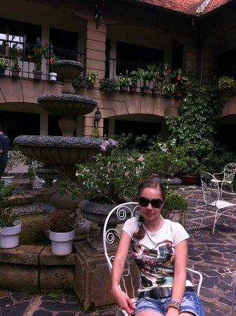 Thanh Thuy Hotel Dalat: Французский дворик