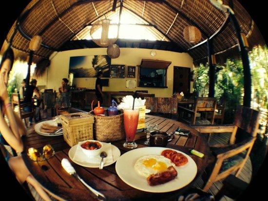 The Green Room Seminyak: Breakfast