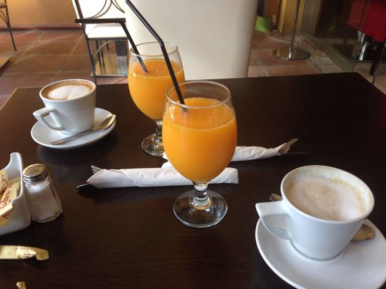 Arte Cafe: Fresh orange and good coffee
