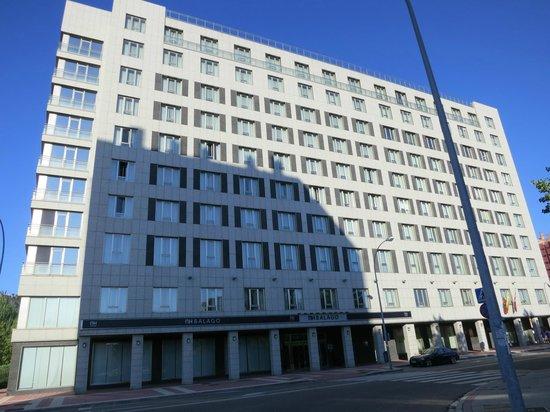NH Valladolid Balago: Facciata dell'hotel
