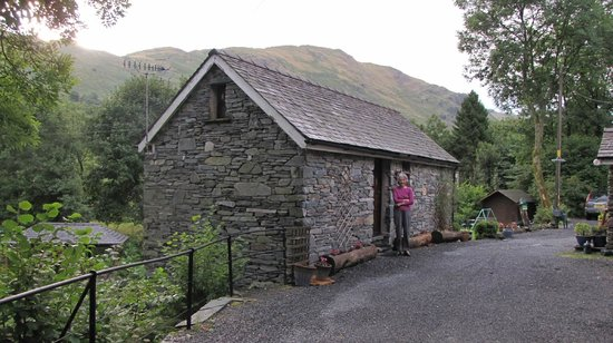 Old Water View. The Bothy at the rear.