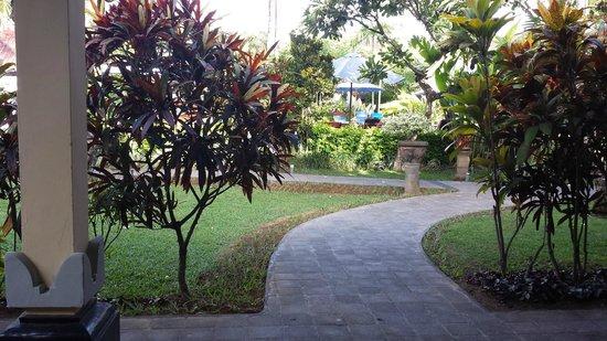 Kuta Puri Bungalows : Front of bungalow