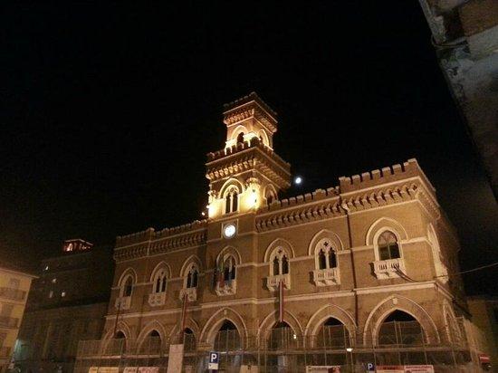 Luna Residence Hotel : Casalmaggiore Piazza Garibaldi