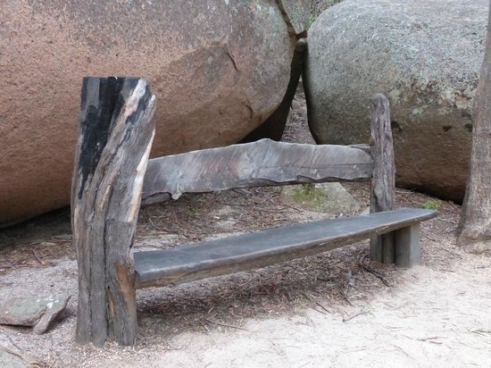 Wineglass Bay Lookout: nature arts piece along the trail