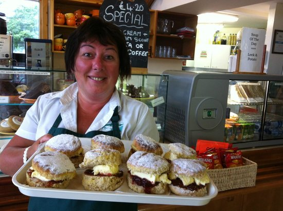 Cruachan Power Station Visitor Center: Lovely Cream Teas available in the summer months
