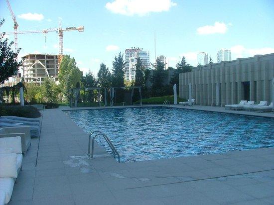 JW Marriott Hotel Ankara : piscine extérieure