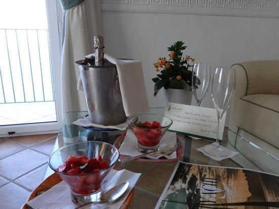 Caesar Augustus Hotel: accueil romantique