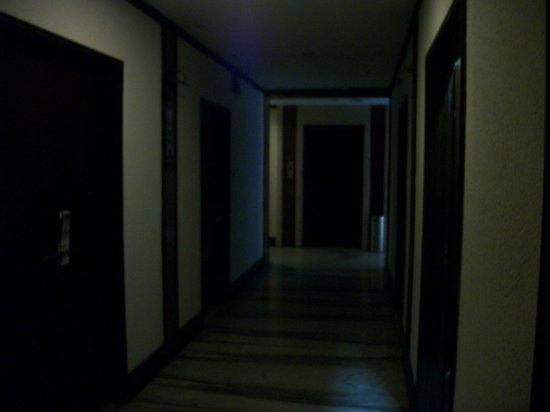 Lytton Hotel: Outside the room