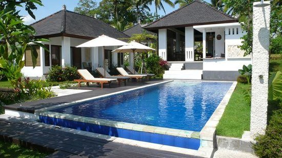 The Samara : pool area