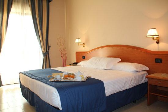 Camera Matrimoniale Hotel Europa Arzano
