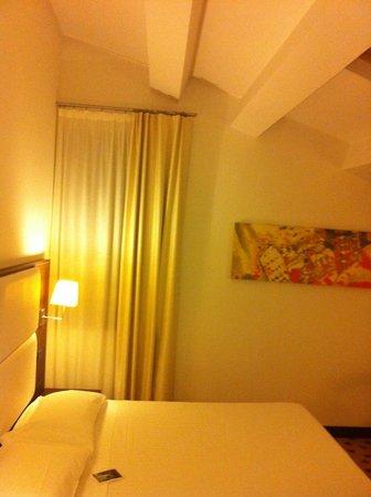 Gallery Hotel Recanati : Chambre en mansarde