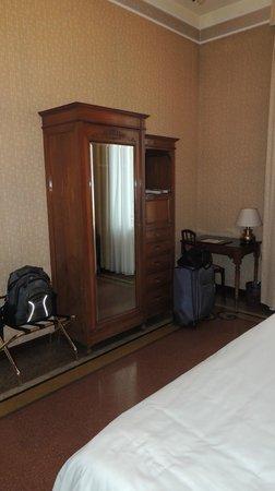 Hotel Bristol Palace : Armário