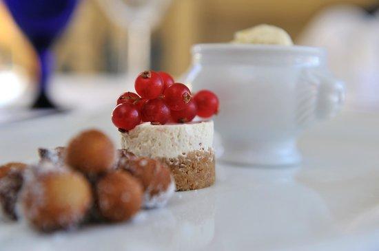 The Walnut Tree Hotel: Trio of Summer Desserts