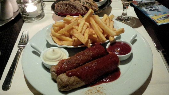 Novum Select Hotel Berlin Ostbahnhof: Curry Wurst