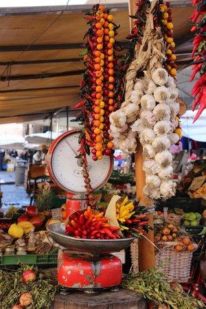 Your Rome Tour - Rome Tours: the market