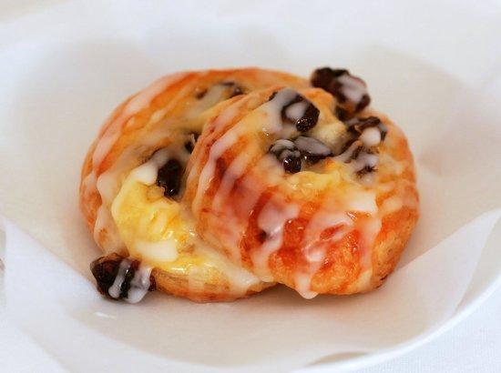 французские булочки с изюмом рецепт с фото
