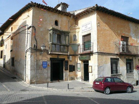 El Rincon de Pedro: Fachada del Restaurante (antigua casa de la nobleza)