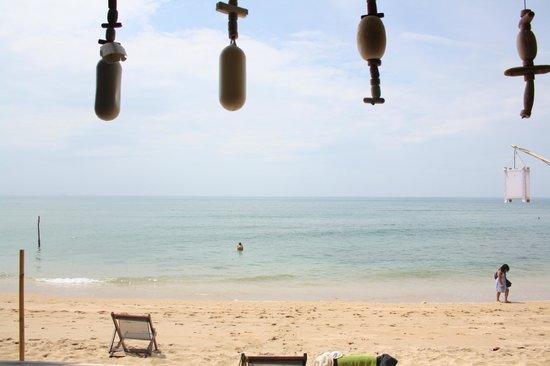 Coco Lanta Resort : La spiaggia dalla terrazzata del ristorante