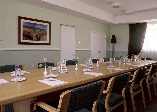 Protea Hotel Oyster Bay Dar es Salaam: board room