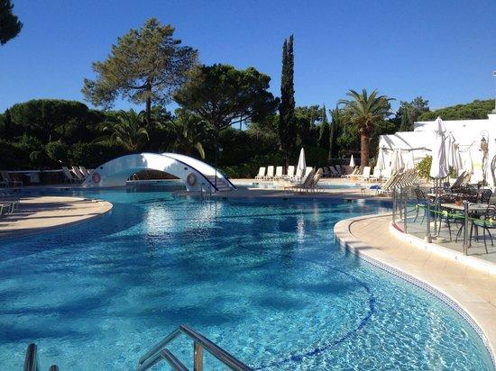 Four Seasons Country Club : The gorgeous pool