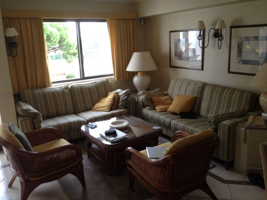 Four Seasons Country Club: Lounge in apartment