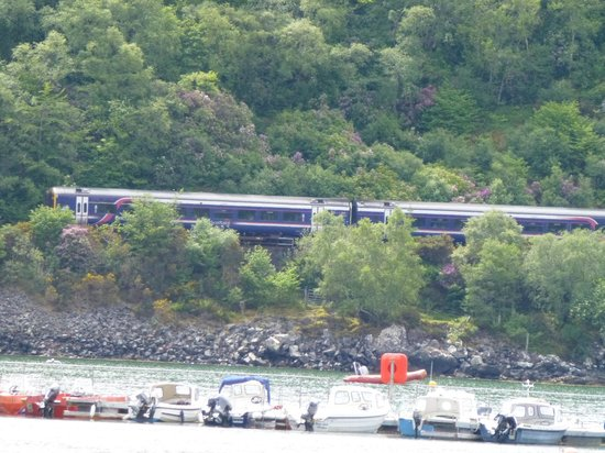 Kyle Line (Inverness to Kyle of Lochalsh) : Passing Plockton