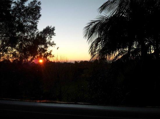 Amore Bed and Breakfast: Sunrise on Mount Tamborine