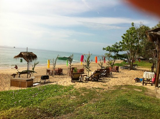Anda Lay Boutique Resort : View of hotel beach
