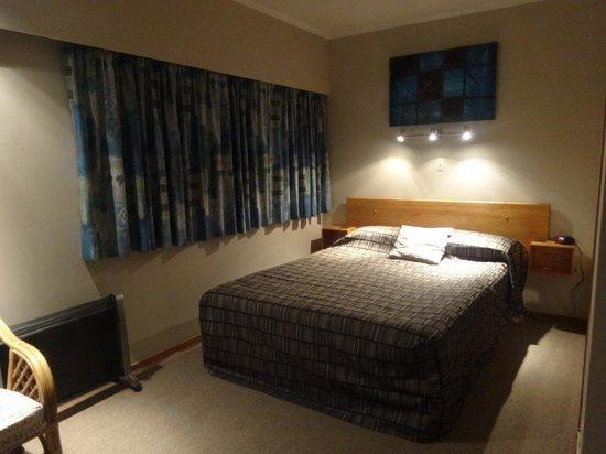 Ala-Moana Motel: Bedroom