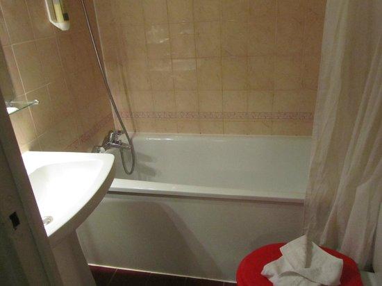 Hotel Jean-Gabriel : bagno con vasca