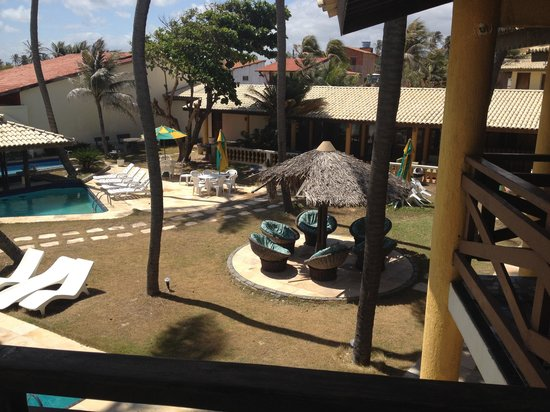 Casa Prainha Pousada: vista do jardim ao lado da piscina