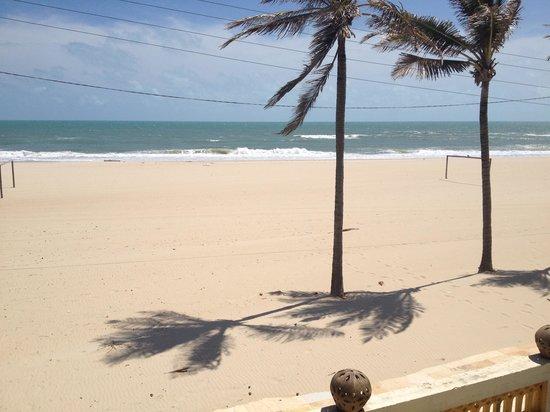 Casa Prainha Pousada: vista da praia estando no quarto