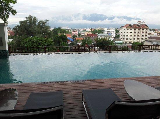 Le Meridien Chiang Mai : Piscina