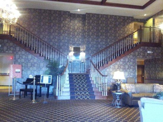 Comfort Suites Milwaukee Airport: hotel lobby