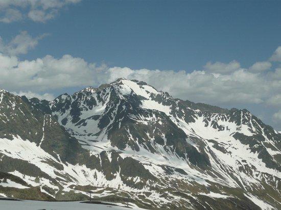 Stubaier Gletscher: Лучше гор могут быть только...горы