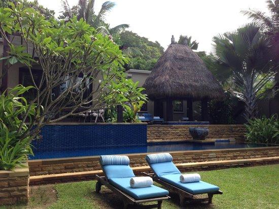 MAIA Luxury Resort & Spa: Garden view of villa