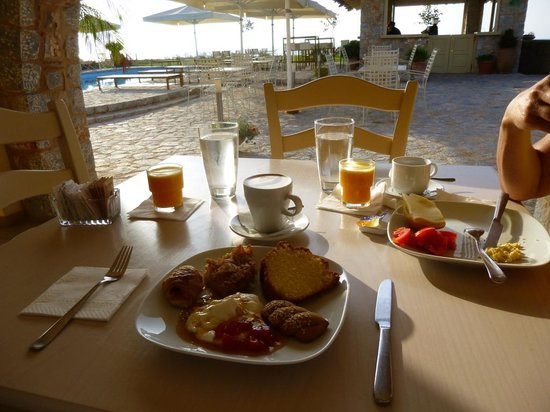 Castello Antico Beach Hotel: Ideal  place for breakfast