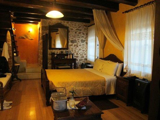 Samonas Traditional Villas : No.3 Bedroom (view 1)