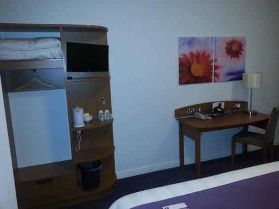 Premier Inn Glasgow City Centre Buchanan Galleries Hotel: Room
