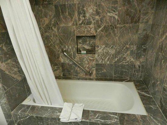 Flamingo Cancun Resort: ...la doccia...