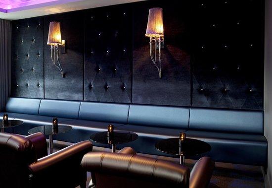 Clarion Hotel Ernst: Bar - details