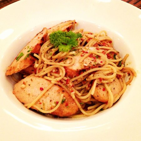 Poodoo : Grilled Sausage Aglio Olio