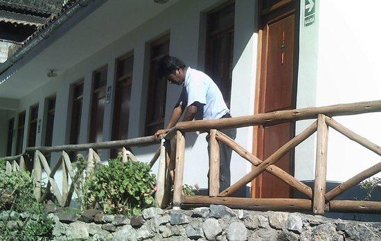 Hostal Los Tres Balcones: Near garden