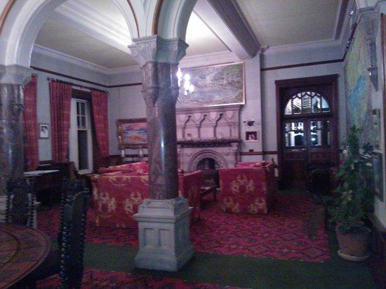 Camelot Castle Hotel: Lounge