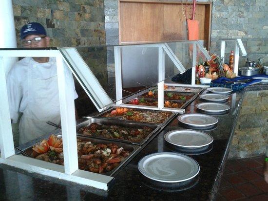 Flamingo Beach Hotel: otimas saladas
